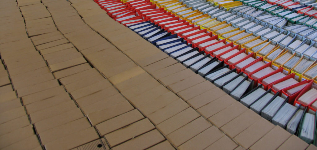 Ручная упаковка в коробки различных размеров